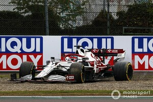 9番手フィニッシュのライコネン、ペナルティで入賞逃す。リスタート時にスピン、その後の手順が違反に|F1エミリア・ロマーニャGP