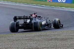 ルイス・ハミルトン、F1イモラ決勝のミスを振り返る「周回遅れを抜くのに、急ぎすぎてしまった」