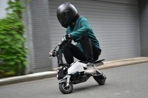 F1パートナーが創った未来の電動ビークル「WUSA(ウーサ)」に試乗 刺激的で車いすの動力源にもなる!