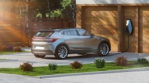 欲しいと思う海外メーカーの電気自動車ランキングTOP3、3位ポルシェ「タイカン」、2位メルセデス・ベンツ「EQA」、1位は?