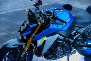 """完全に化けた!? 新型『GSX-S1000』は先代モデルと""""違うライン""""で走るバイクだ!【SUZUKI GSX-S1000(2021)/試乗インプレ・レビュー(4) まとめ編】"""