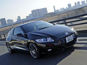 【試乗】HKSがスーパーチャージャーを装着したCR-Zは、その快音でボルテージを上げた【10年ひと昔の新車】