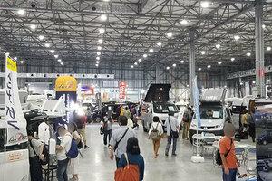 キャンピングカーでキャンプしない人増加中? それでも人気のワケは 展示会に見る新潮流