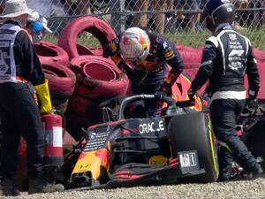 2021年F1第10戦、フェルスタッペンがリタイア、ハミルトンが優勝の不可解【イギリスGP決勝】