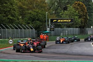 FIAレースディレクター、ローリングスタートでのレース再開は路面状況を考慮しての判断だったと説明/F1第2戦