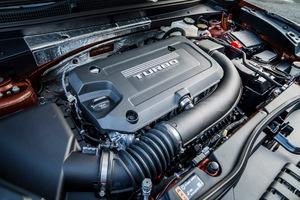 GMキャデラック エントリークラスのSUV「XT4」を発売