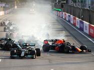 2021年F1第6戦、優勝目前にフェルスタッペンがクラッシュ、ペレスが波乱のレースを制す【アゼルバイジャンGP 】