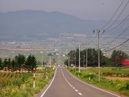 北海道での運転感覚はちょっと違う? 「距離の概念が変わる」イラストがSNSで話題に
