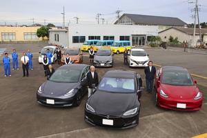 「家族の愛車も社用車も全てEV!?」時代を先取りするオール電化の変態的ファミリー登場