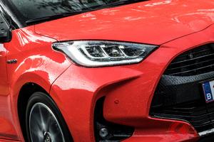 マツダ版「ヤリス」&新型SUV登場! 直6&ロータリー控える中でマツダの燃費規制対策とは