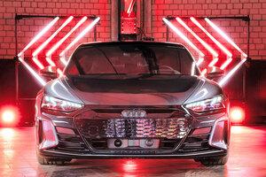 【RSも導入】アウディeトロンGT 日本価格/サイズ/内装 EVの新型4ドア・クーペ 今秋発売へ