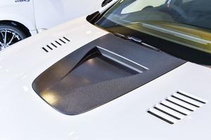 フェラーリやGT-Rのボンネットにある「三角」! アメリカの科学力が生んだ由緒正しい「穴」だった