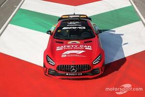 """跳ね馬1000レース記念""""赤いメルセデス""""のセーフティカー、「フェラーリに許可を取った」とウルフ代表"""