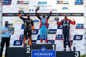 TCRヨーロッパ第2戦:女性ドライバーのミシェル・ハルダーが歴史に名を刻む初勝利