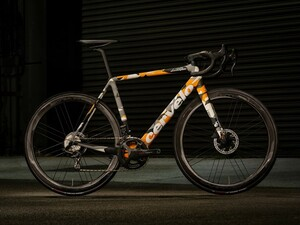 お値段18000ドル!ランボルギーニとサーヴェロが作ったロードバイク「CervéloR5 Automobili Lamborghini Edition」