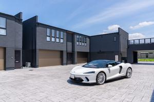【入居者募集開始】スーパーカーが似合う高級賃貸ガレージハウス「inCELL木更津 The Luxury」が竣工