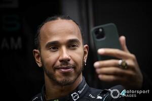 """フェルスタッペンと接触のハミルトンに浴びせられる人種差別的批判。F1、FIA、メルセデスが""""強い言葉""""で非難"""