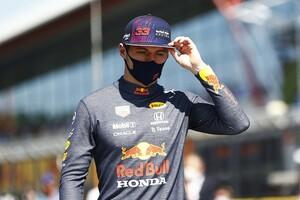 """F1イギリスGP""""1周目""""の事故で51Gの衝撃……フェルスタッペン無事退院「マーシャルと医療スタッフに感謝」"""