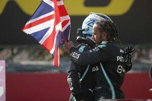 ハミルトン「接触が起きた場合はどちらにも責任がある」メルセデス/F1第10戦決勝