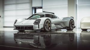 ポルシェ秘蔵のデザインコンセプト「Porsche Unseen」を一挙公開! 激レアなポルシェ製ミニバンの姿も!? 【前編】