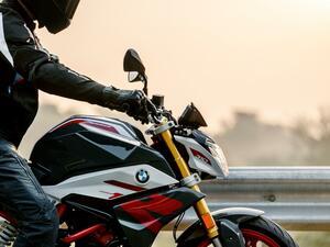 BMW「G310R」がモデルチェンジ! 普通二輪免許で乗れるスポーツネイキッドが新型に【2021速報】