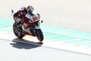 """【MotoGP】「子供のように楽しんでいる」中上貴晶、テルエルGP初日トップは契約交渉からの""""開放感""""も後押し?"""