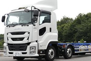 トラックの超特盛!? 1台でトラック2台分の荷物を運べるダブル連結トラックの進化にワクワクが止まらない!