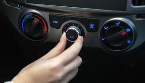 クルマのエアコンの温度、みんなは何度に設定している?