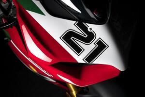 ドゥカティ「パニガーレV2 ベイリス1stチャンピオンシップ20周年記念モデル」登場! トロイ・ベイリスの偉業を称える最新スペシャルバージョン