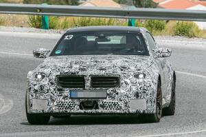 【もはや希少なFR車】次期BMW M2 プロトタイプ発見 直6エンジン搭載のパフォーマンスクーペ
