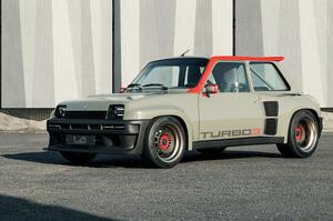 【最新レストモッド】ルノー5ターボ 400psのパワーとともに復活 ボディはカーボン製