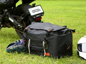 荷崩れしにくい大容量防水シートバッグ!「ターポリンシートバッグ ツアー DBT611-BK」がドッペルギャンガーから発売
