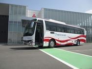エアロクィーン/エアロエース 三菱ふそうの高速・観光車に折戸仕様を設定