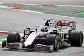 ミック・シューマッハー、フロントジャッキ担当のクルーを跳ね飛ばしかけたミスを謝罪/F1第4戦