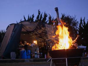 「炭」を制するものは「焚き火」を制す! 代表的な「炭」8種とその効果