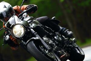 250ccや400ccみたいな気軽さで乗れる大型バイク! それがスズキ『SV650&SV650X』の人気の理由!【SUZUKI SV650/SV650X 比較インプレ・後編】