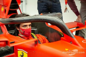 サインツJr.、フェラーリとの初交渉にも浮かれず「あまり信じないようにしていた」