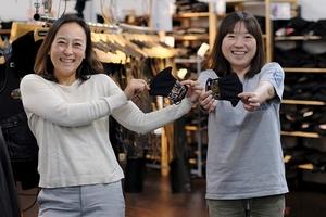 自社の強みを活かした京都の雰囲気漂うおしゃれなマスク デグナーの社風も表れるチャリティ商品として人気