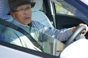 自動運転は高齢ドライバーと運転免許制度の救世主になれるか【自律自動運転の未来 第16回】