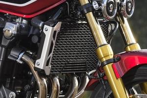 バイクに装備されているラジエターの役割とは