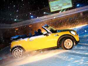 【試乗】2代目MINIコンバーチブルは、冬のオーストリアでも「ALWAYS OPEN」すべきか【10年ひと昔の新車】