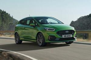【ヤリスのライバル】フォード・フィエスタ 改良型発表 新仕様「アクティブ」追加