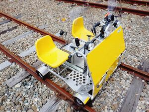 JR東海、軌道自動自転車に「リーフ」のバッテリー再利用 電動化へ走行試験