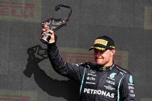 メルセデスF1代表、ハミルトンの優勝をサポートしたボッタスを称賛「チームの利益に対する献身を見た」