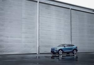新型ボルボC40がスタイリッシュだ! 新しい北欧のEVとは?