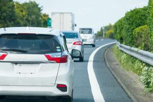 東日本大震災から10年 もし運転中に地震が発生したらどう対処すべきか?