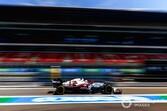 一難去ってまた一難……ジョビナッツィ、スペインGPは不運重なり15位。ガレージで作業中に新品タイヤのバルブ破損