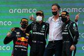戦略を活かしたハミルトンが終盤に首位奪回、今季3勝目。角田は無念のトラブル【決勝レポート/F1第4戦】