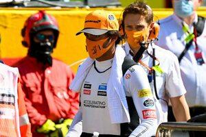 サインツJr.「リスタートで危険な目に遭うのは初めてじゃない。何か手を打たないと」:マクラーレン F1第9戦決勝