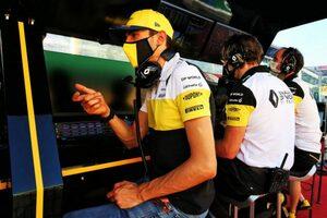 オコン「SCラン中にリヤブレーキから出火。修復できずリタイアするしかなかった」:ルノー F1第9戦決勝